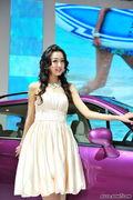 海马清纯美女车模