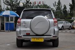 丰田RAV42.0L 自动 豪华升级版正后图片