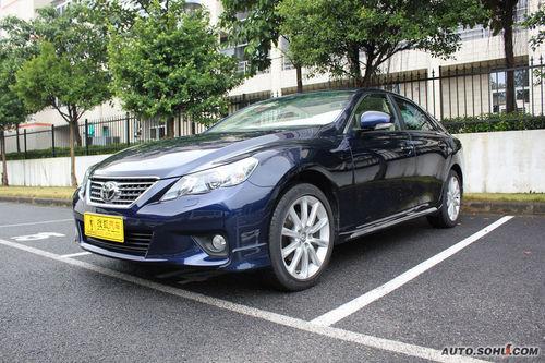 2011款一汽丰田锐志2.5V