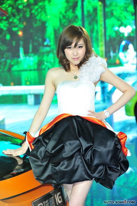 吉利清纯美女模特