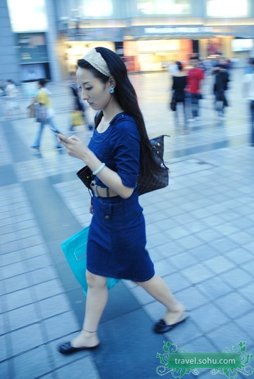 重庆街头美女  - 绝地再生 - ◢▂ 絕哋侢眚 ▂◣