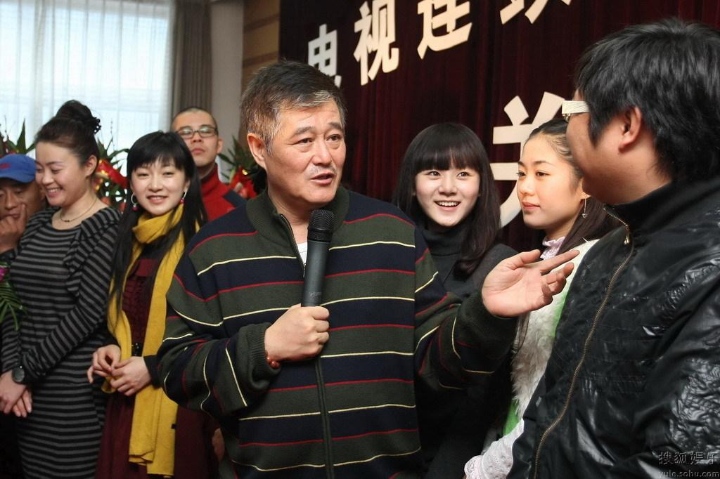 刘流妻子_刘流 刘流女儿刘笑歌照片 刘流老婆 - 香港明镜新闻网