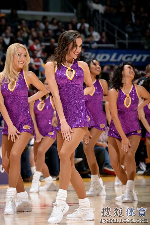 新一周的NBA美女啦啦队出镜,请欣赏.-NBA美女宝贝秀西域风情 粉图片