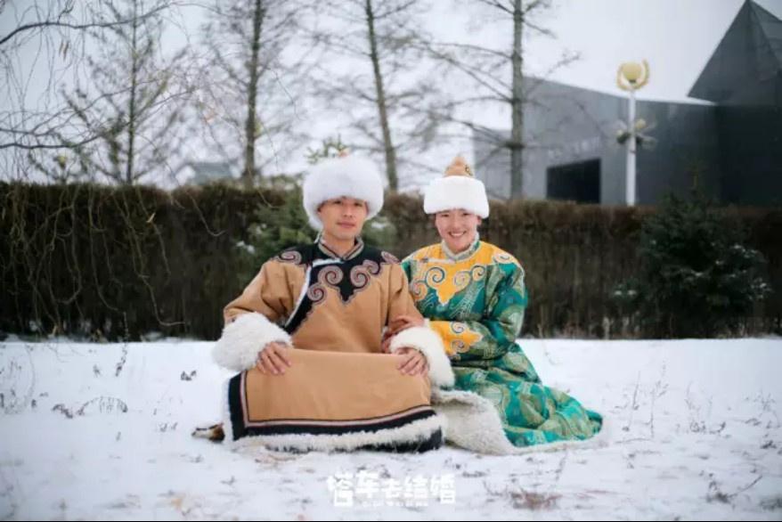 去结婚 欲拍摄56个民族结婚照