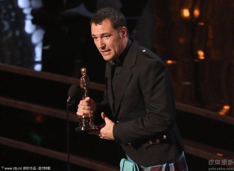 第85届奥斯卡颁奖典礼在美国杜比剧院举行.最佳动画长片:导演马