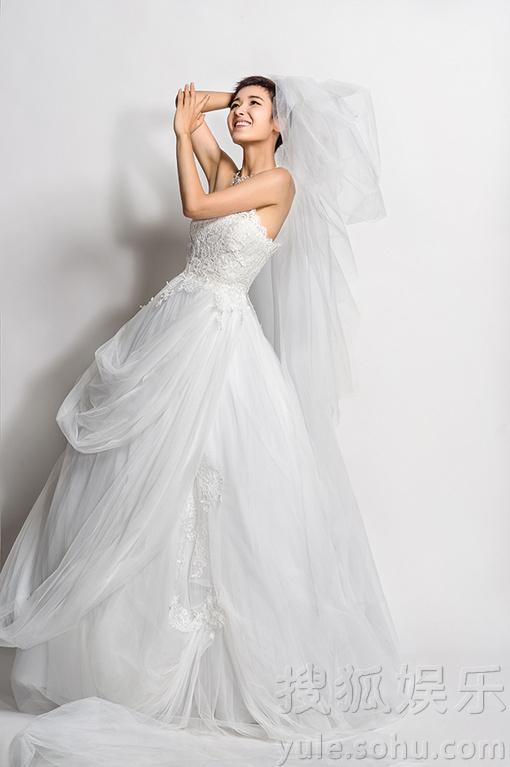 写真婚纱_美女性感婚纱写真图片