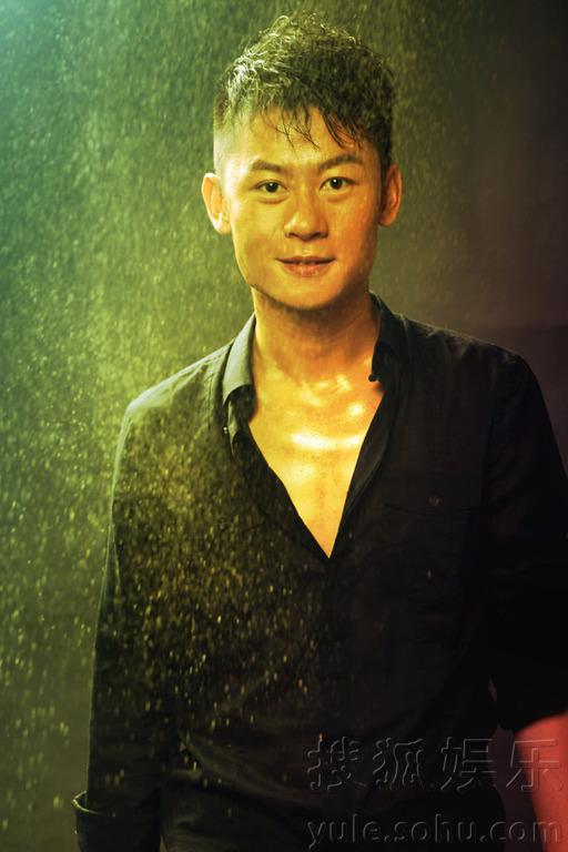 婆妈妈》的青年演员李健曝光了一组光影写真,恭祝大家元宵节快乐