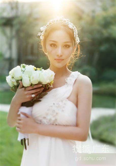 荡胸生层云 张馨予要做爆乳新娘