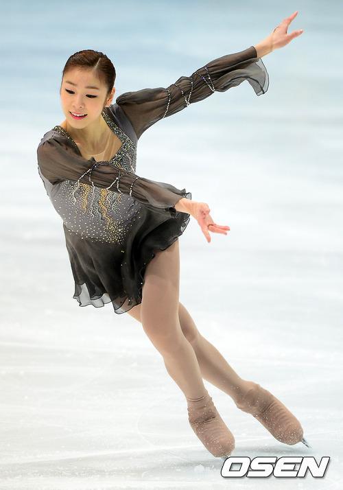 【视频】韩国美女跳舞动态图片 韩国美女跳舞
