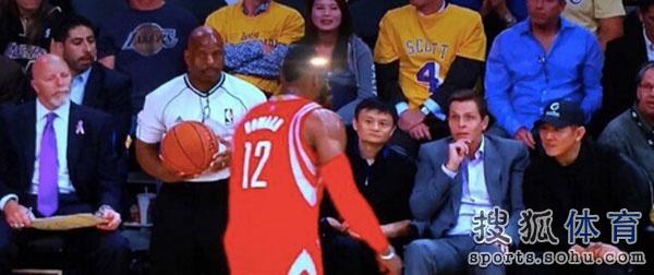 北京时间10月29日,NBA常规赛揭幕日,火箭VS湖人.这场比赛吸引图片