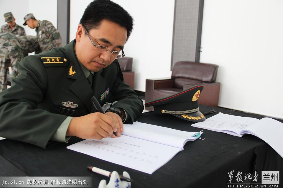 在抢救吴建同志过程中,解放军第22医院给予了全力救治,解放军第四
