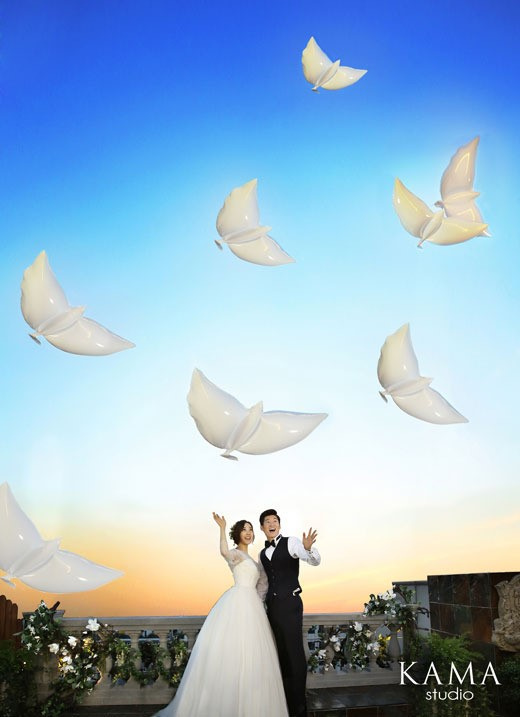 朴智星合影_朴智星大婚帅气合影新娘白婚纱美丽动人