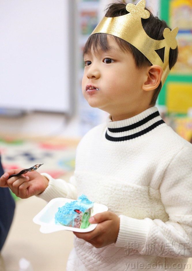 超幸福!小亮仔一家幼儿园温馨过生日8790607
