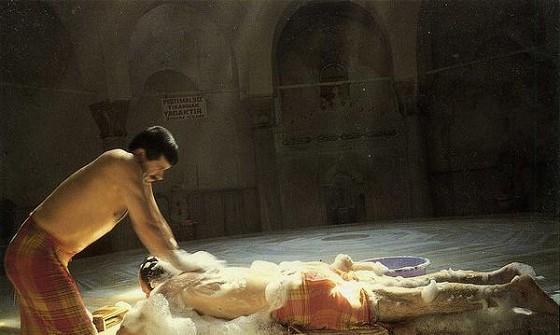 洗浴文化以桑拿、温泉、蒸汽浴和热水浴等不同的形式遍及