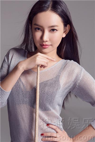金子美惠写真露b_童菲杂志大片秀完美身姿 小露蛮腰展曲线美