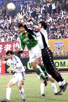 从1997年前卫寰岛落户重庆,到200年重庆隆鑫夺得足协杯冠军,再到2001