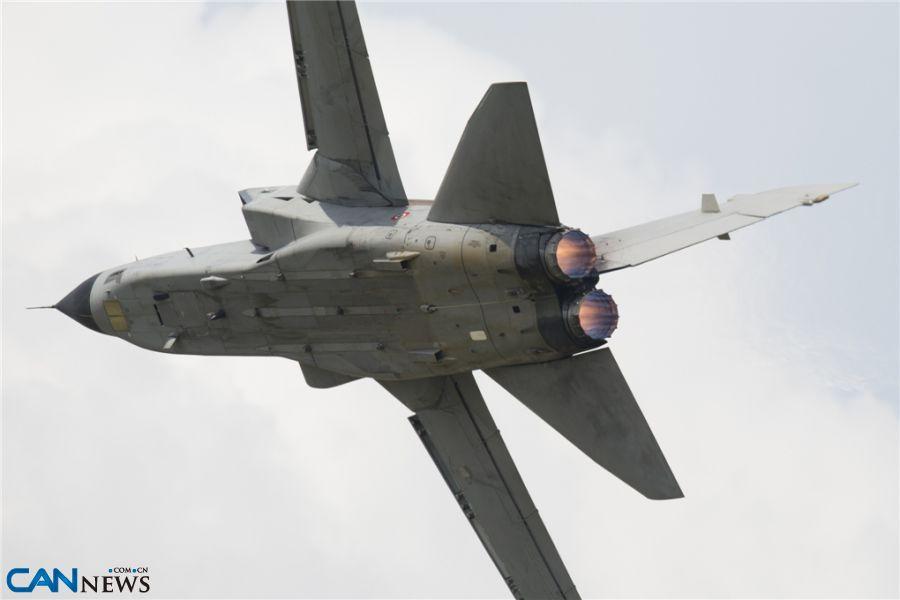 意大利空军携amx战机亮相