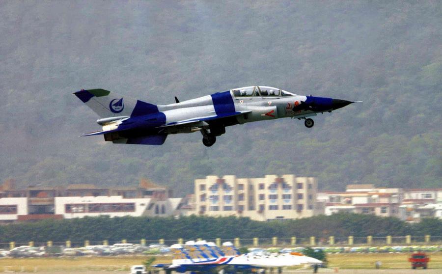 俄媒称中国高级教练机难产致空军事故频发
