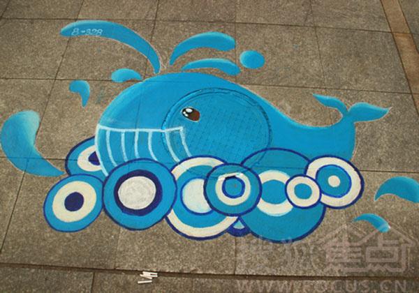 脚下的风景:萌翻路人的井盖涂鸦