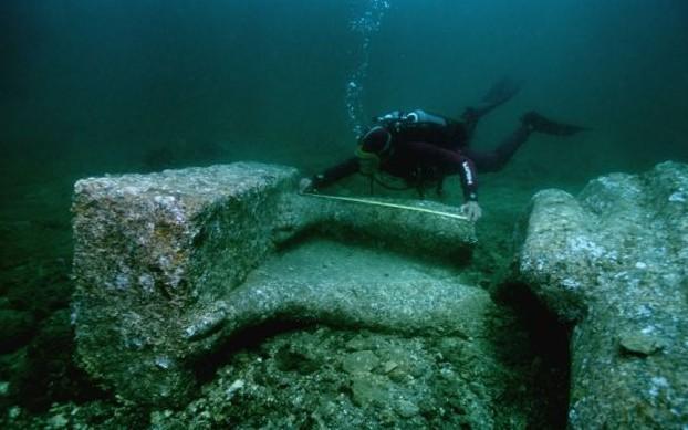 壁纸 海底 海底世界 海洋馆 水族馆 桌面 622_389