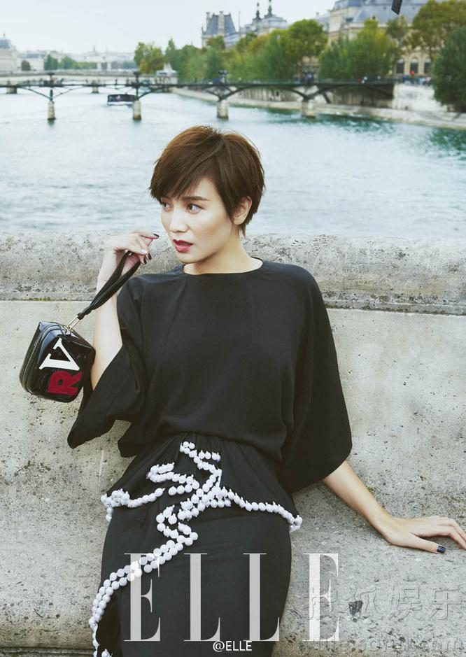 宋佳巴黎拍写真 诠释短发女人也可以性感和可爱