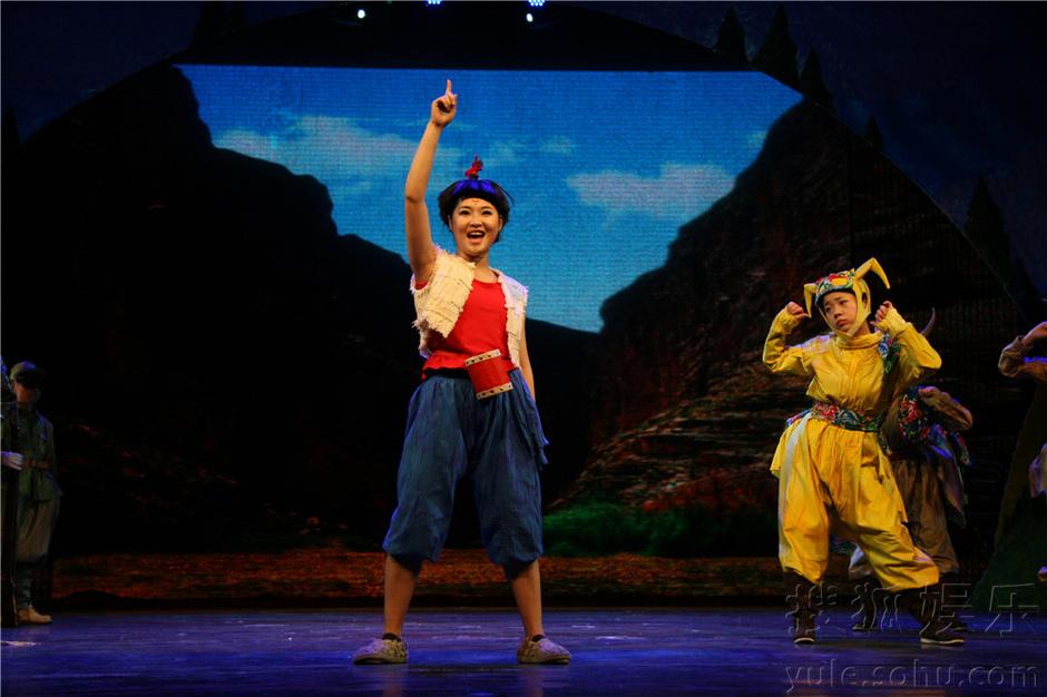 剧照 中国木偶剧院2015年的创作和经营演出正式拉开序幕,《丹顶鹤的