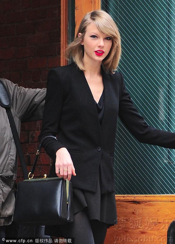 高清黑色红唇女生手机壁纸