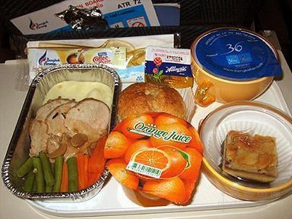 """盘点那些""""恐怖""""的飞机餐"""