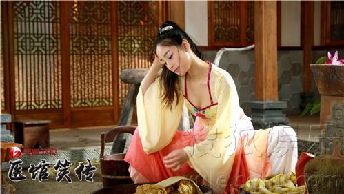 姜妍,王传君等人联袂主演的古装情景喜剧《医馆笑传