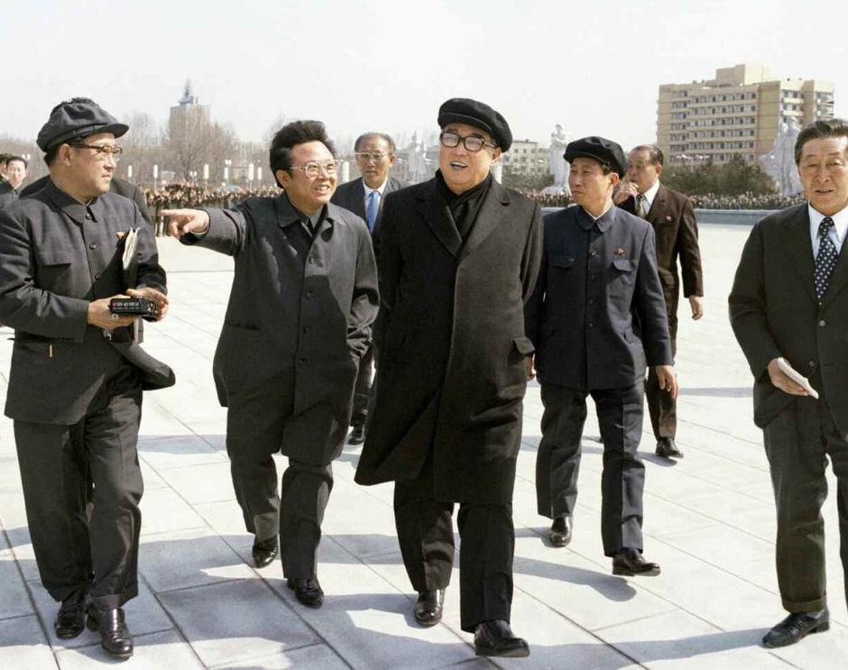 朝鲜官媒刊老领导照片庆国庆