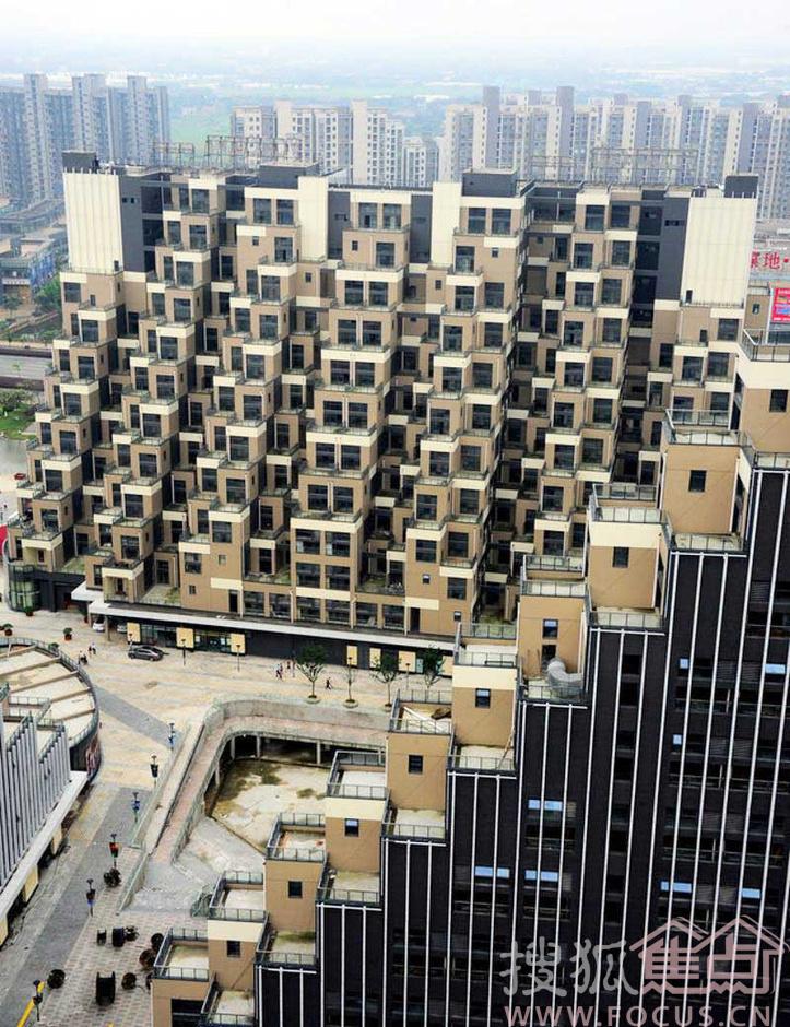 9 金字塔小区      上榜理由:2013 年06月21日,最近,位于江苏省昆山市