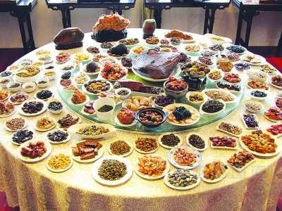 缅甸华侨8年打造奇石满汉全席盛宴 共108道菜品