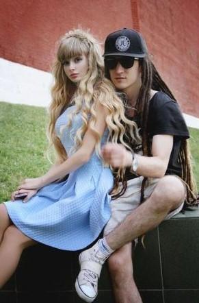 俄现真人版芭比娃娃 丰臀翘乳完胜乌克兰