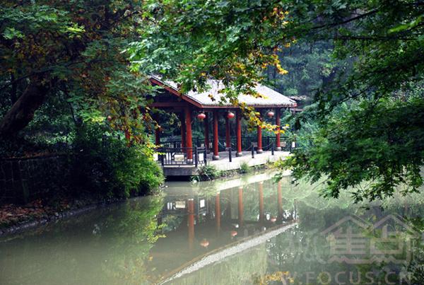 是浣花溪历史文化风景区的核心区域