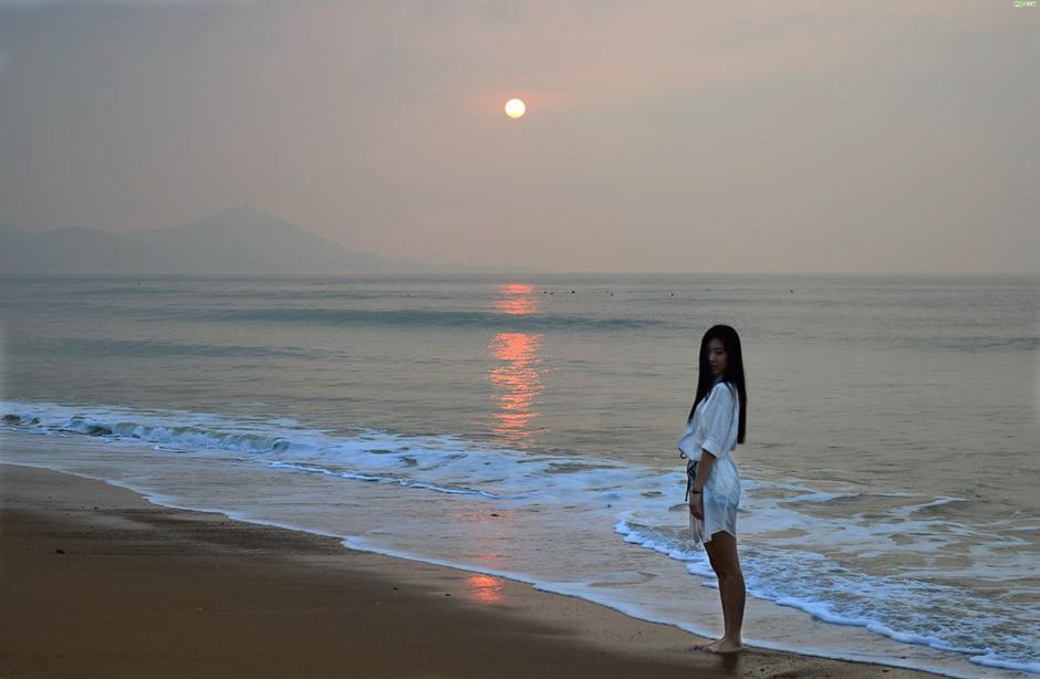 责编:李妍                 24 姜军 金沙滩 《旅伴》联合青岛市黄岛