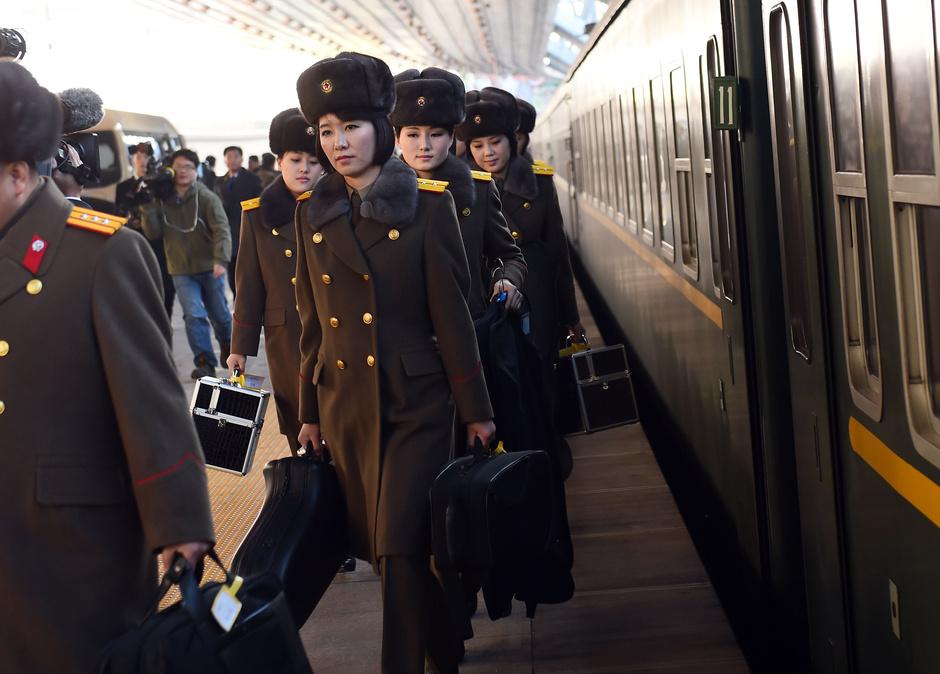 朝鲜牡丹峰乐团抵达北京 美女如云 - 春夏秋冬 - 春夏秋冬 的博客