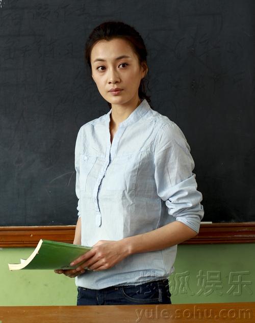 徐翠翠助阵《匆匆那年》 再演老师气场足
