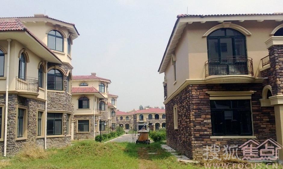 郑州现神秘别墅群 对外称村民安置房