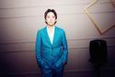 《歌手》迪玛希秒变绅士 湖蓝小西装帅到发光