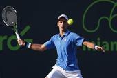 2015年4月1日,迈阿密网球大师赛继续进行,当日在男单第四轮比赛中,塞尔维亚选手焦科维奇以2比1战...