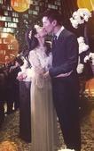 搜狐娱乐讯 11月28日高圆圆与赵又廷在台北举行婚礼。11月30日,这对新人回到北京举行答谢宴。答谢...