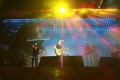 搜狐娱乐讯 10月14日晚,帕尔哈提和酸奶乐队在广州W酒店举行了新专辑《来自塔克拉玛干的摇滚》的全国...