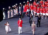 北京时间7月28日,伦敦奥运会开幕式中国代表团易建联作为旗手引领中国运动员入场。更多奥运视频>> 更...