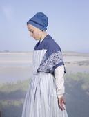 法国摄影师夏尔·弗雷杰(Charles Fréger)满世界在找穿当地服饰的人。他过去的项目里既包含...