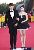 4月26日下午,第13届全州国际电影节(JIFF)在全罗北道全州市韩国Sori文化殿堂举行红毯开幕式...