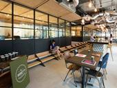 香港设计师Bean Buro为世界级的广告创意公司李奥贝纳,打造了一间有新意的协作型办公室。该办公室...