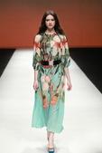 此次OASIS新品发布会诠释了OASIS本季新品撞色、印花等特点,演绎出深厚的英式时尚文化态度。...