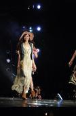 """被外媒称作""""中国可爱教主""""的人气女歌手叶熙祺(AK),近来频繁亮相各大国际时装秀场,在名模云集的T台..."""