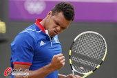 北京时间2012年8月1日,2012年伦敦奥运会网球男子单打第二轮,特松加VS拉奥尼奇。更多奥运视频...