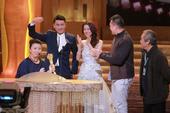 搜狐娱乐讯 12月16日晚,香港TVB2013台庆颁奖礼举行,《三个小生去旅行》获TVB最佳综艺节目...